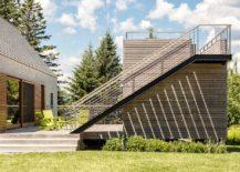 Smart-little-deck-offers-amazing-views-of-the-natural-landcsape-beyond-217x155