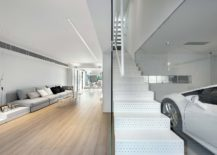 Stylish-interior-of-the-contemporary-home-in-Hong-Kong-217x155