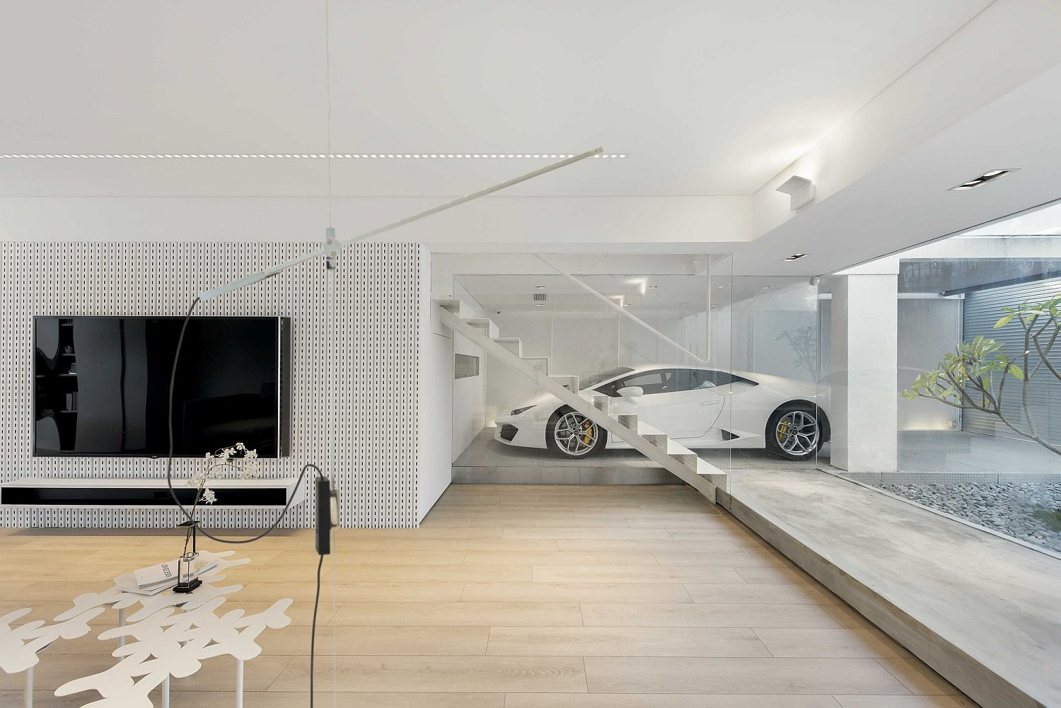 This dream urban house in hong kong has a glorious for Modern white house interior