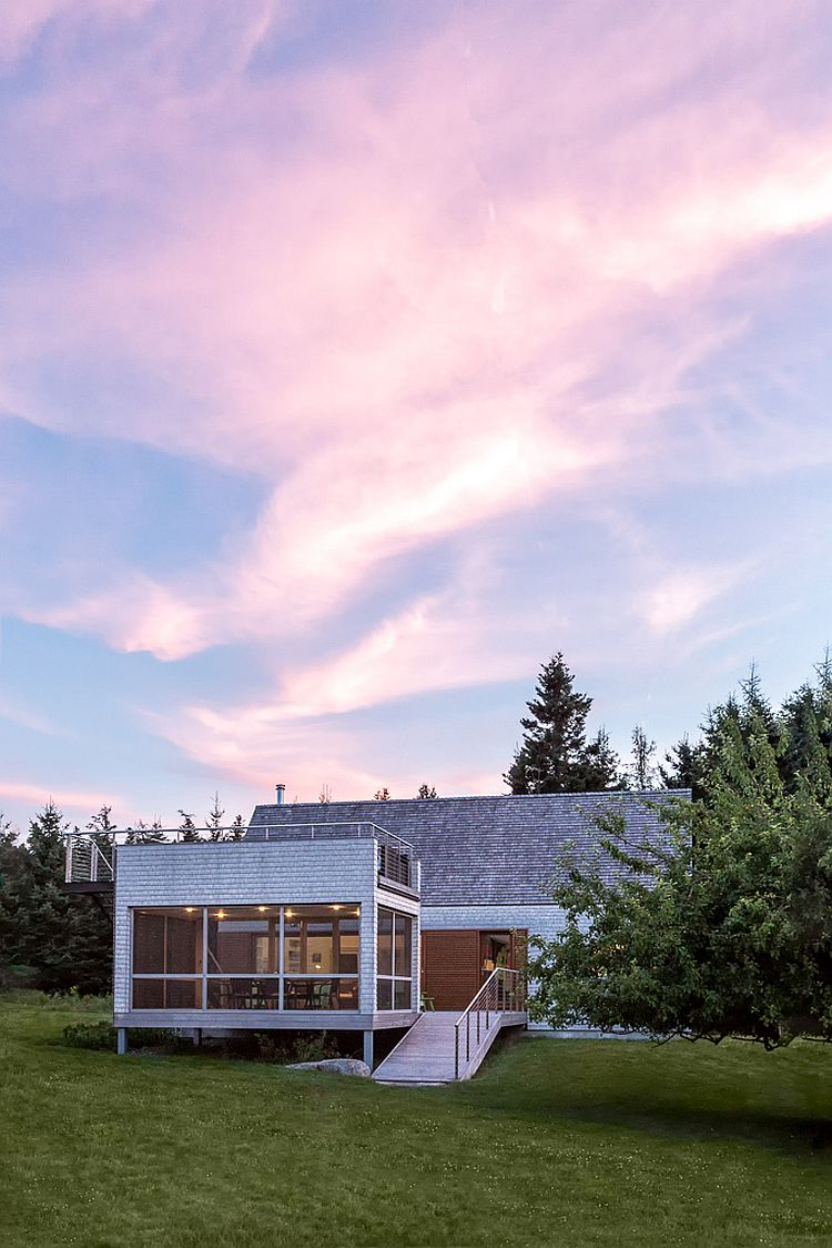 Vernacular-design-influences-create-a-gorgeous-home-in-Maine