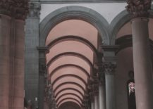 Arches-and-pillars-create-a-picture-of-Tuscan-architecture-217x155