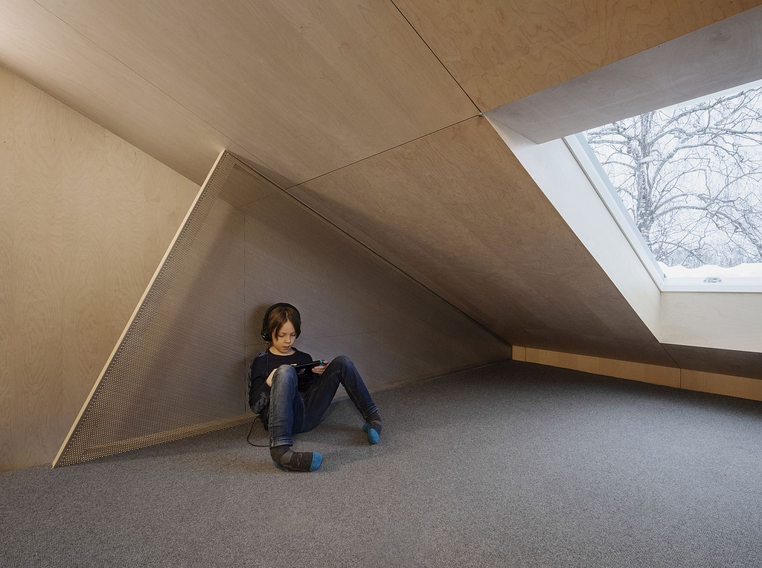 Attic-level-of-the-house-with-limited-space