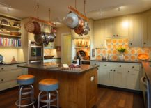 Backsplash-tiles-with-orange-and-pattern-for-the-traditional-and-farmhouse-kitchens-217x155