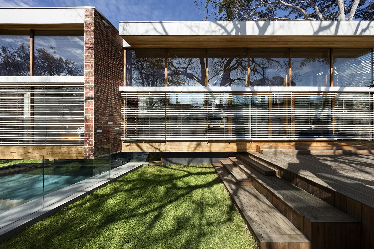 Brick and wood exterior of the Aussie home
