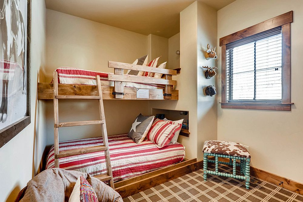 Bunk-beds-in-the-corner-save-up-ample-space