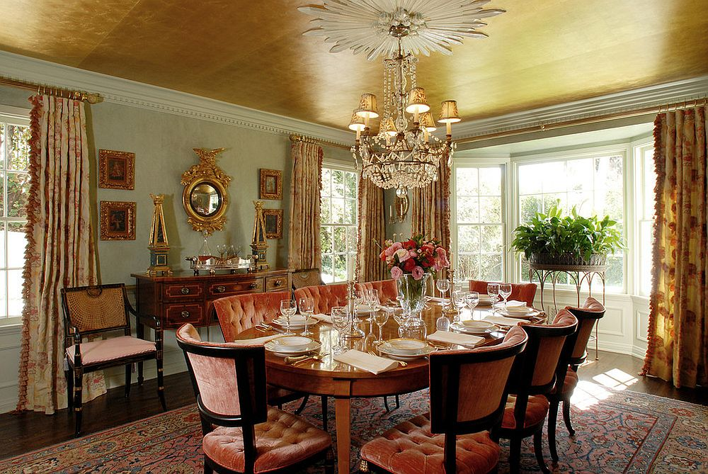 Ceiling-covered-in-gold-in-the-eye-catching-dining-room