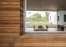 Dining-room-extends-into-the-patio-outside-217x155