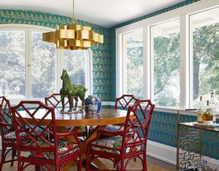 Glitter and Majestic Panache: Dining Rooms Wrapped in a Golden Glint!