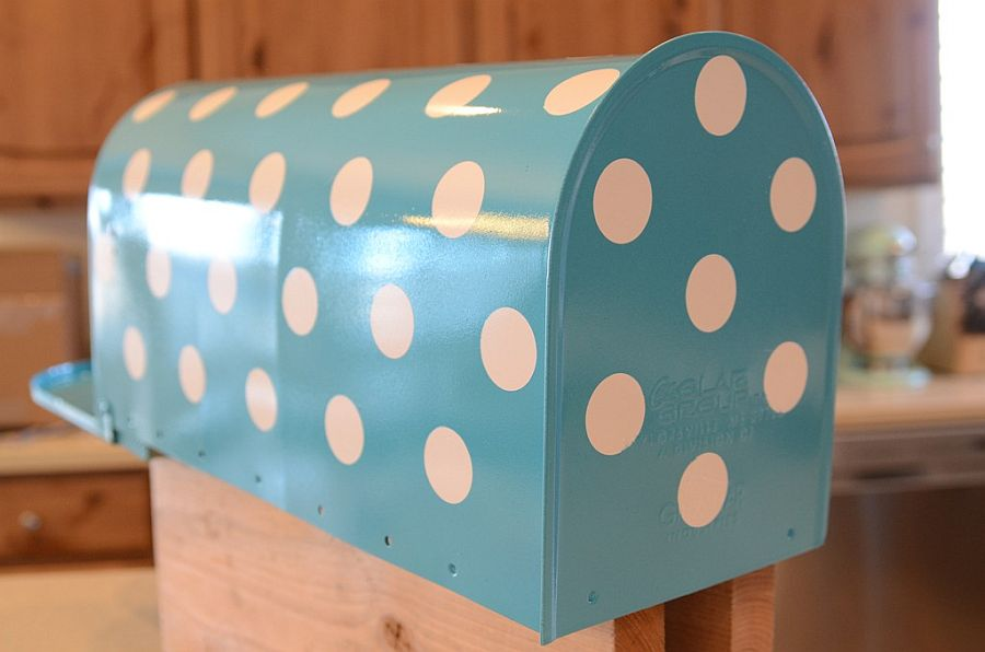 Fabulous and easy polka dot mail box