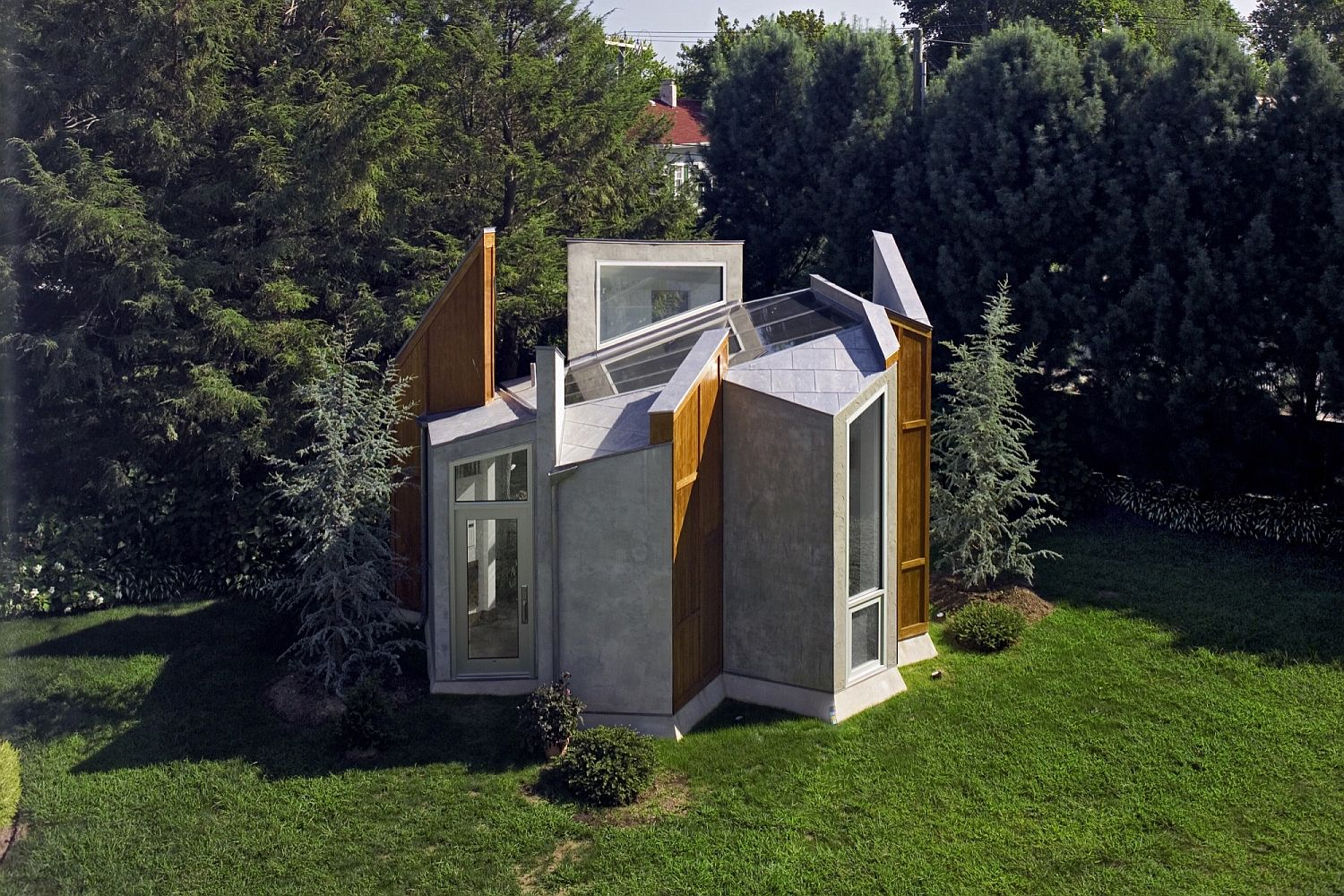 Form-of-the-unique-art-studio-and-office-is-inspired-by-the-wings-of-a-butterfly