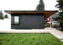 Gray-and-white-exterior-of-the-modern-Canadian-home-217x155
