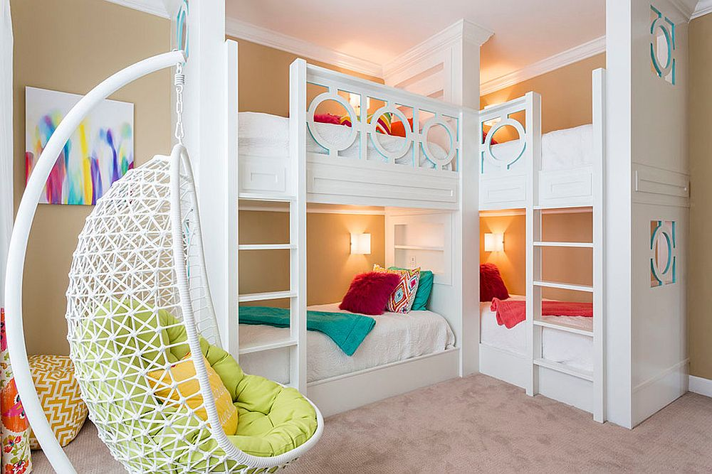 Moving-the-beds-to-the-corner-frees-up-ample-space