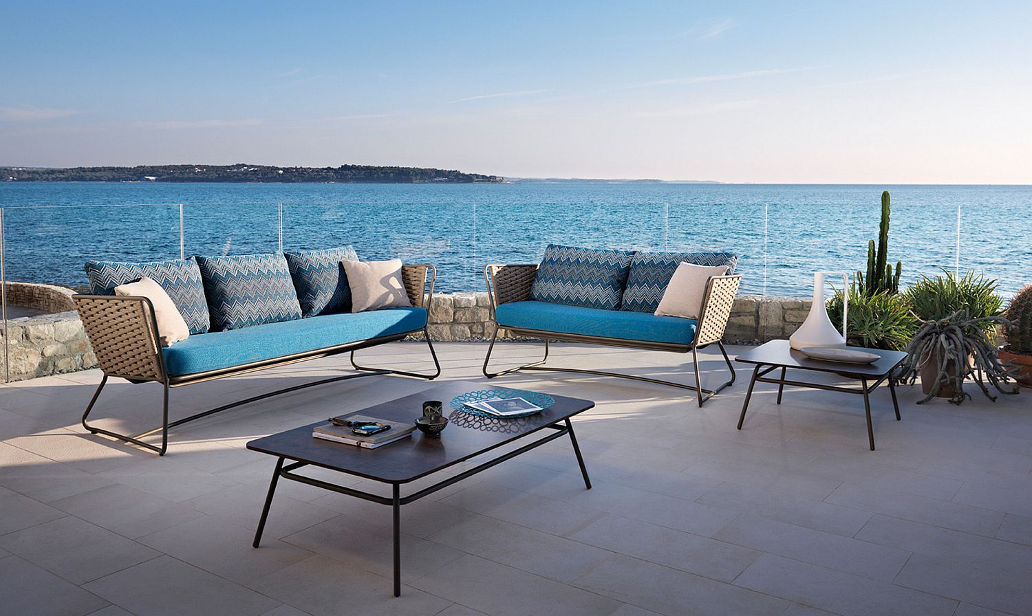Outdoor sofas and armchairs from the Roberti Rattan Collection