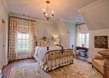 Small-and-sparkling-chandelier-for-the-modern-rustic-bedroom-217x155