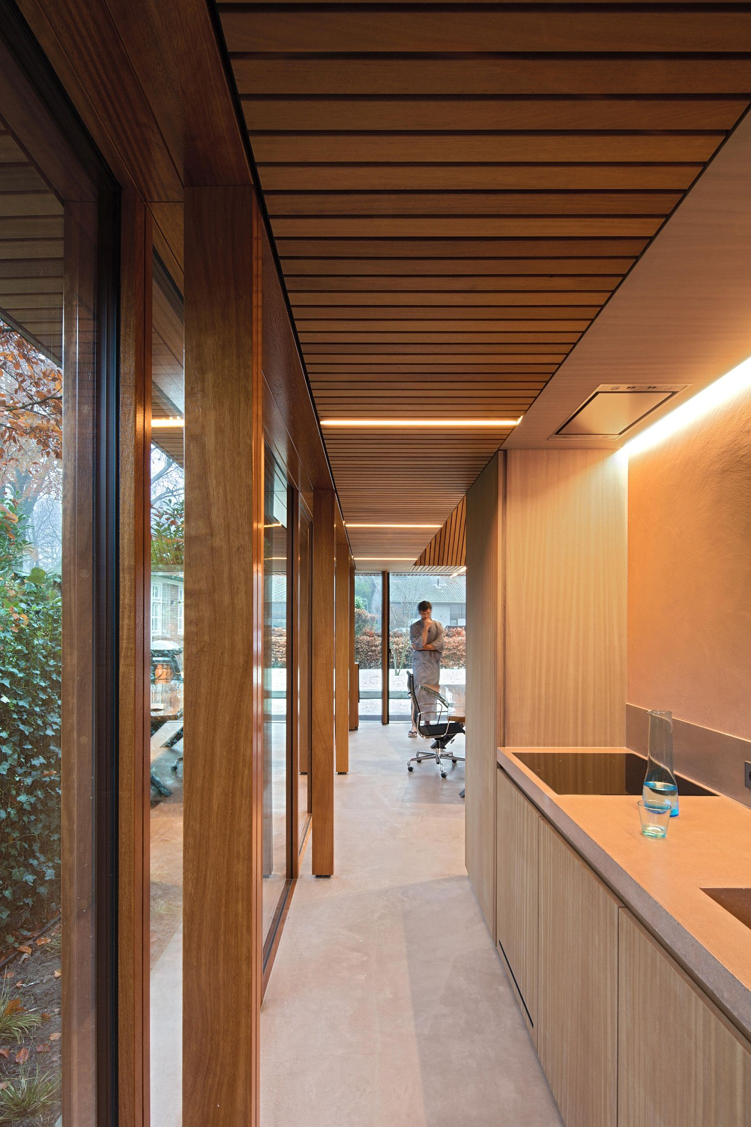Spacious office pavilion in the garden is both inspiring and relaxing
