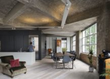 Stunningly-transformed-London-loft-draped-in-concrete-and-metal-217x155