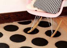 Stylish-DIY-polka-dot-rug-idea-217x155