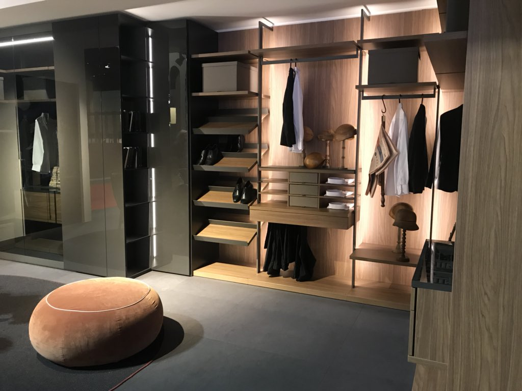 Bedroom-closet-that-showcases-organizational-ease