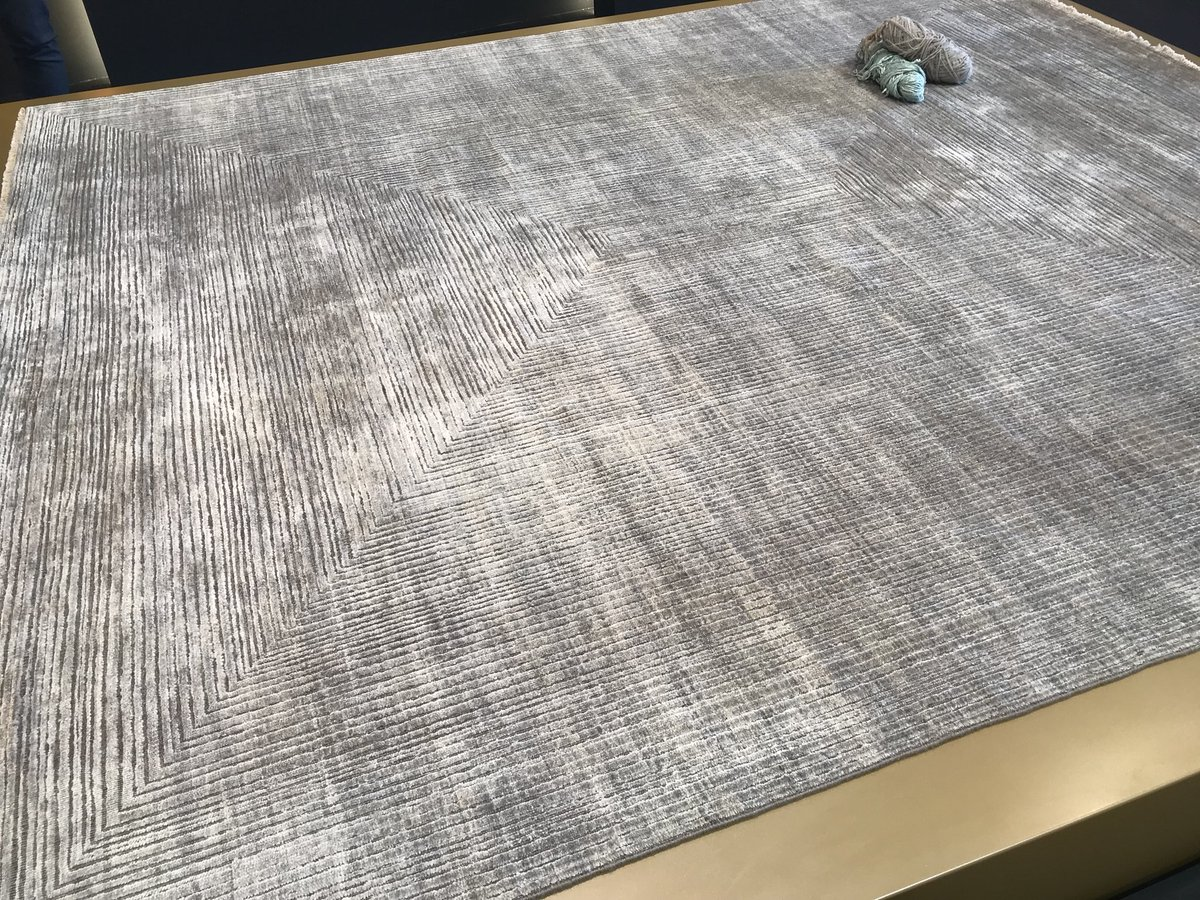 Contemporary-and-minimal-luxury-rugs-from-Thibault-Van-Renne
