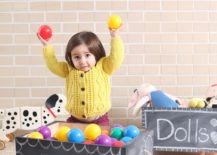 DIY-Chalkboard-Toy-Box-on-Wheels-is-a-complete-delight-217x155