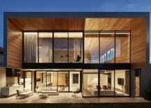 Expansive-rear-facade-of-the-Bloomfield-House-217x155