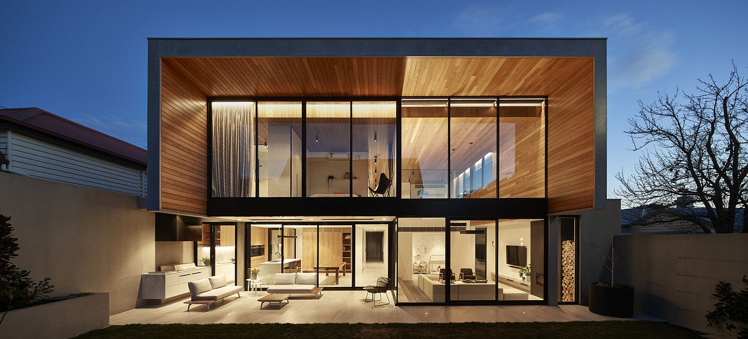 Expansive rear facade of the Bloomfield House