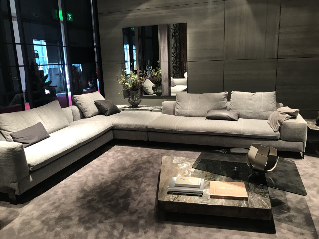 Large-sectional-in-gray-is-perfect-for-the-spacious-modern-living-room