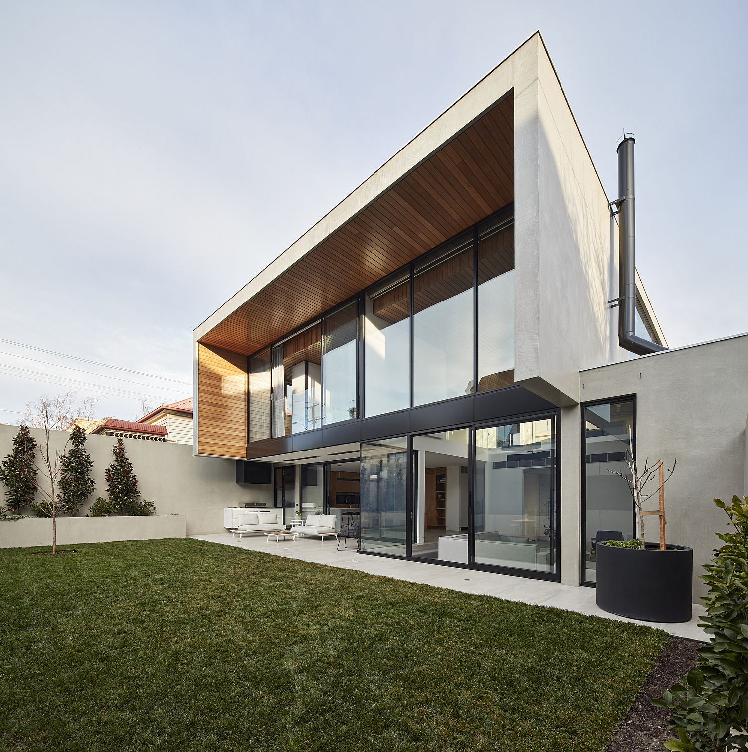 Lovely-use-of-timber-adds-another-layer-of-textural-beauty-to-the-house