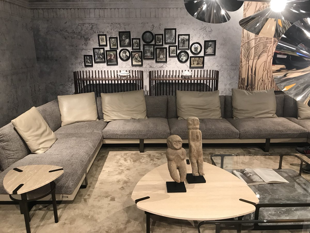 Luxurious-living-room-sofa-in-gray-from-Roche-Bobois