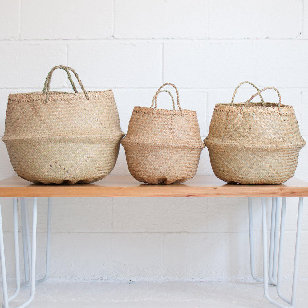 Natural-seagrass-baskets-from-Xinh-Co