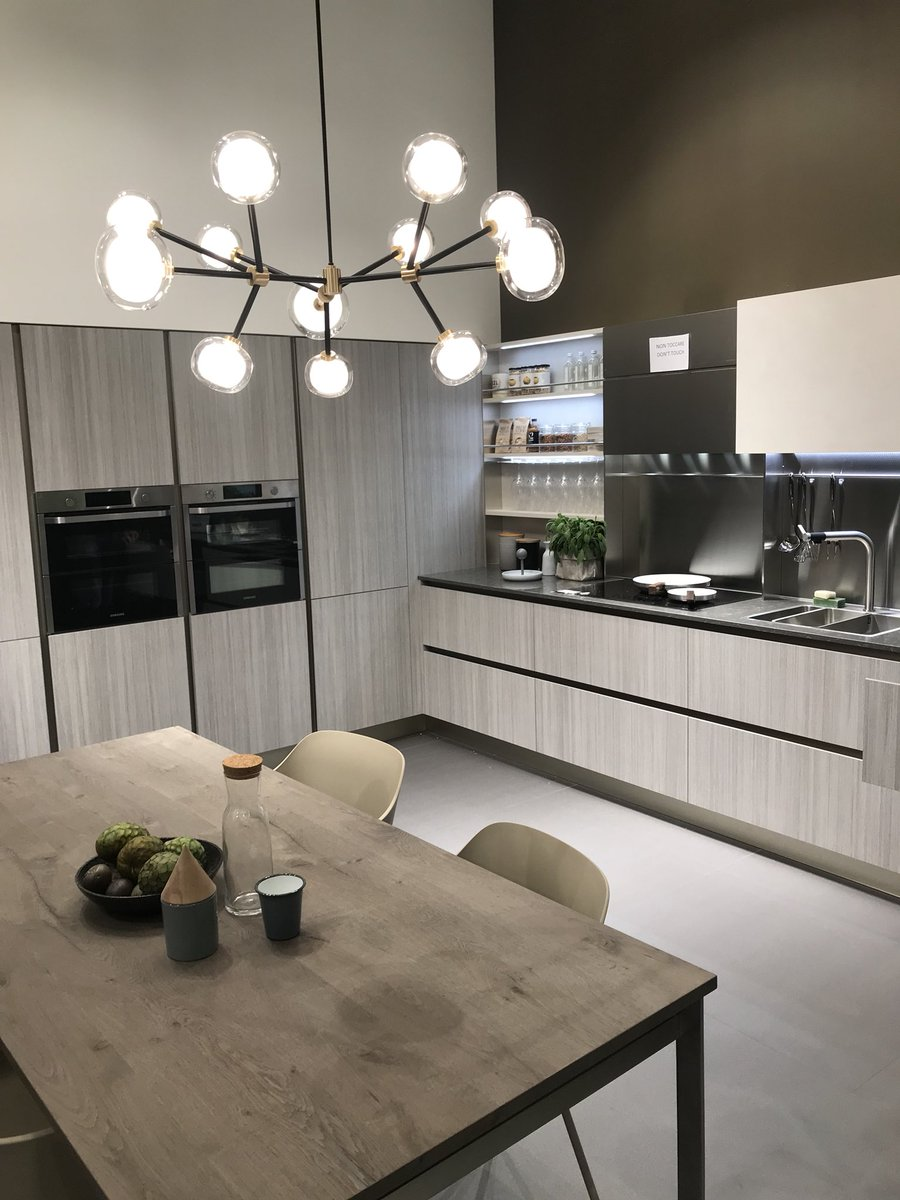 Polished modern kitchen idea from Veneta Cucine