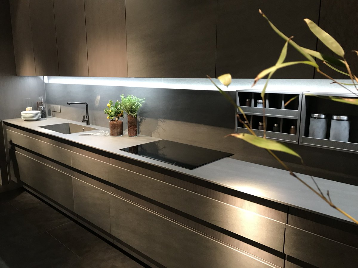 Slim and stylish modern kitchens from ELAM Kitchen Systems