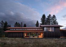 Smart-design-of-the-house-also-creates-a-serene-art-studio-217x155