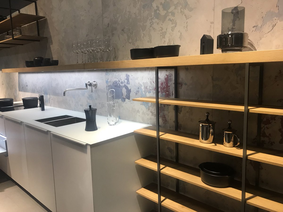 Smart new kitchen compositions from Leicht