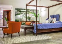 Atrium-next-to-the-tropical-bedroom-adds-to-its-serene-ambiance-217x155