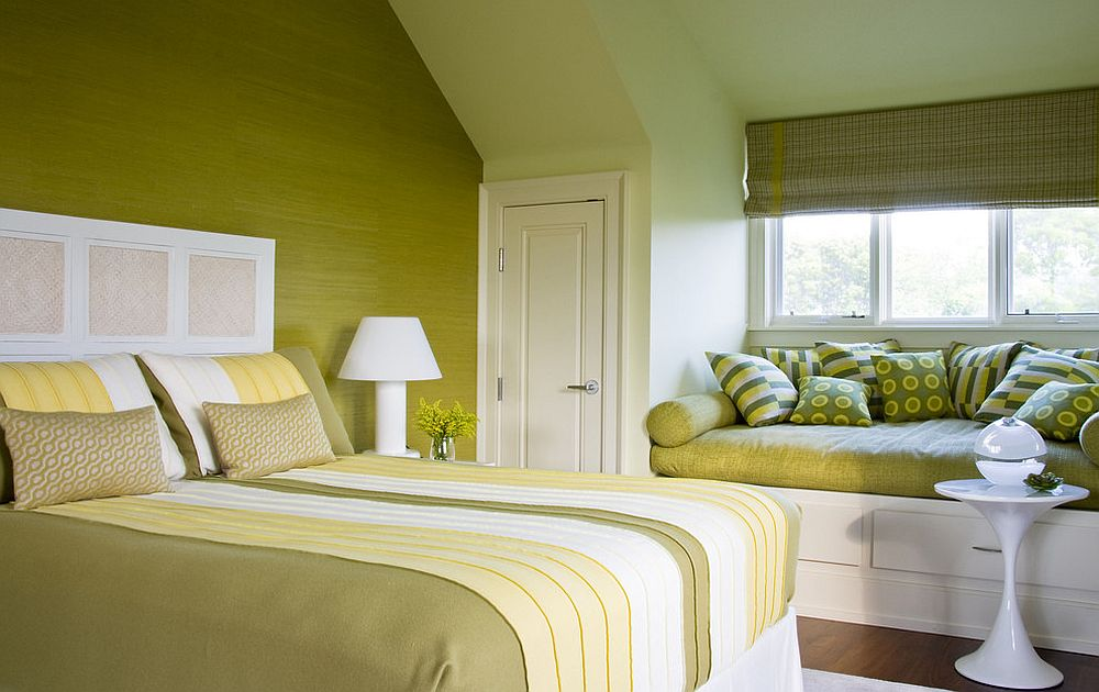 Bedroom in green with yellow accents