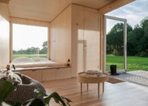 Bedroom-of-the-cabin-completely-opens-up-towards-the-world-outside-217x155