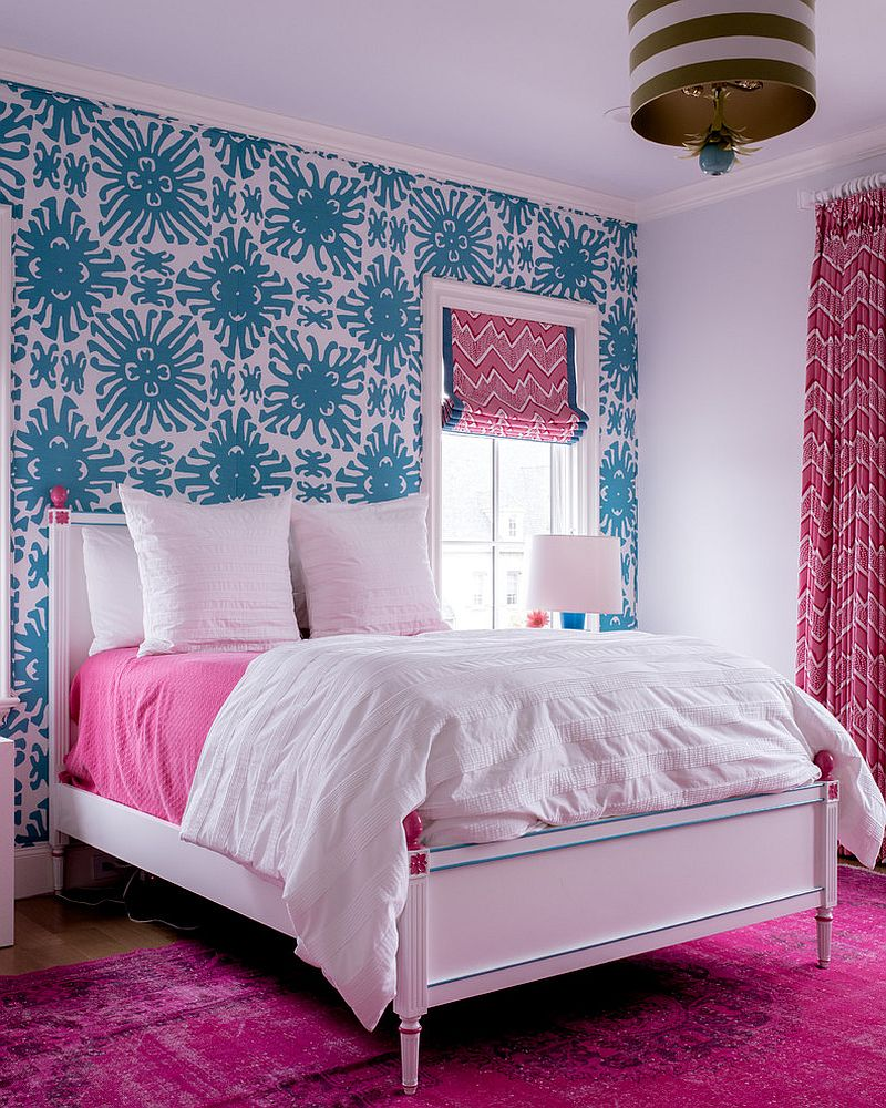 Classic-bedroom-in-blue-and-pink