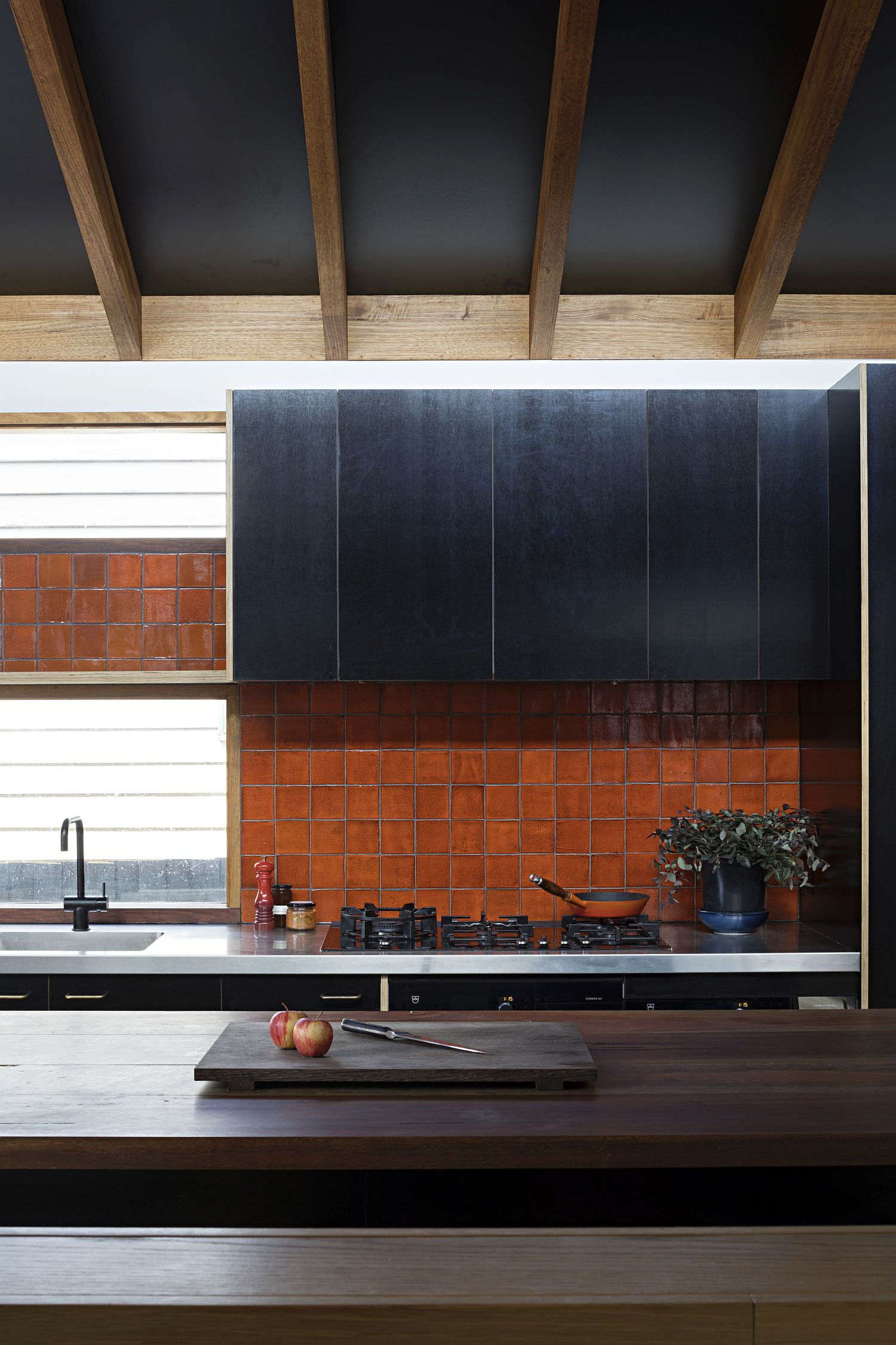 Colorful-and-weathered-backsplash-of-the-kitchen