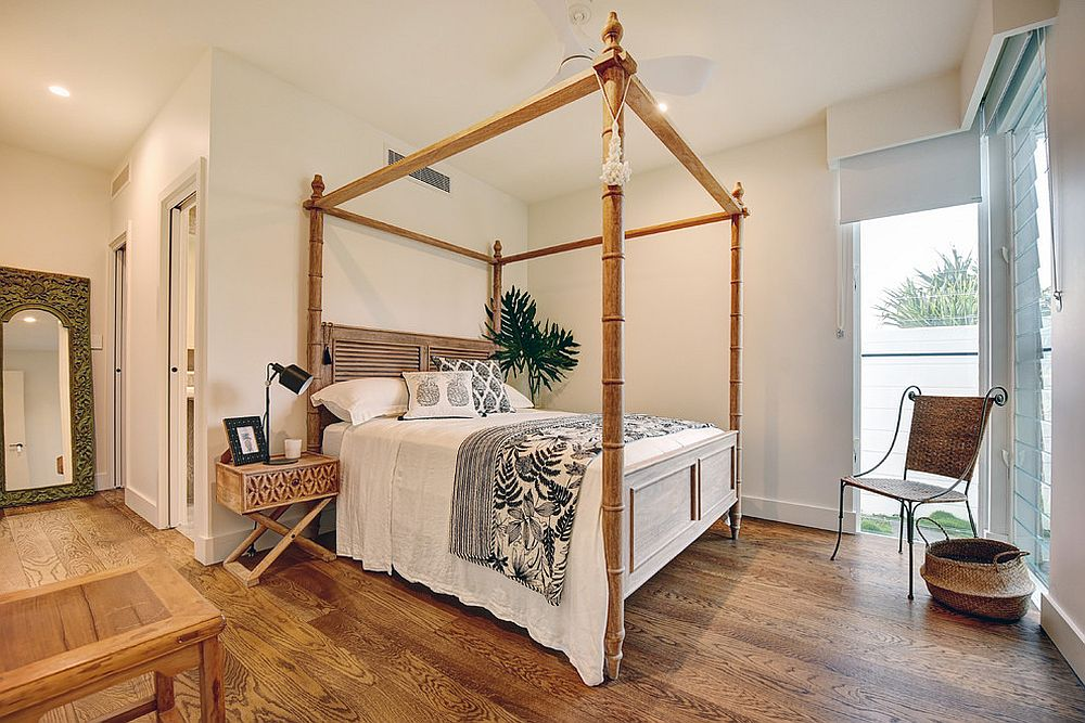 Custom four poster bed in the tropical style bedroom
