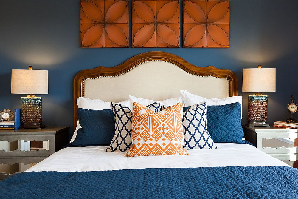 Exquisite-bedroom-in-dark-blue-and-orange