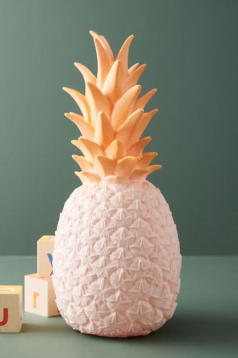 Festive-pineapple-light