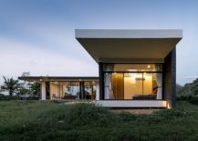 Glass-walls-connect-the-exterior-with-the-landscape-outside-217x155