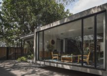 Large-sliding-glass-doors-and-walls-connect-the-restaurant-with-the-outdoors-217x155