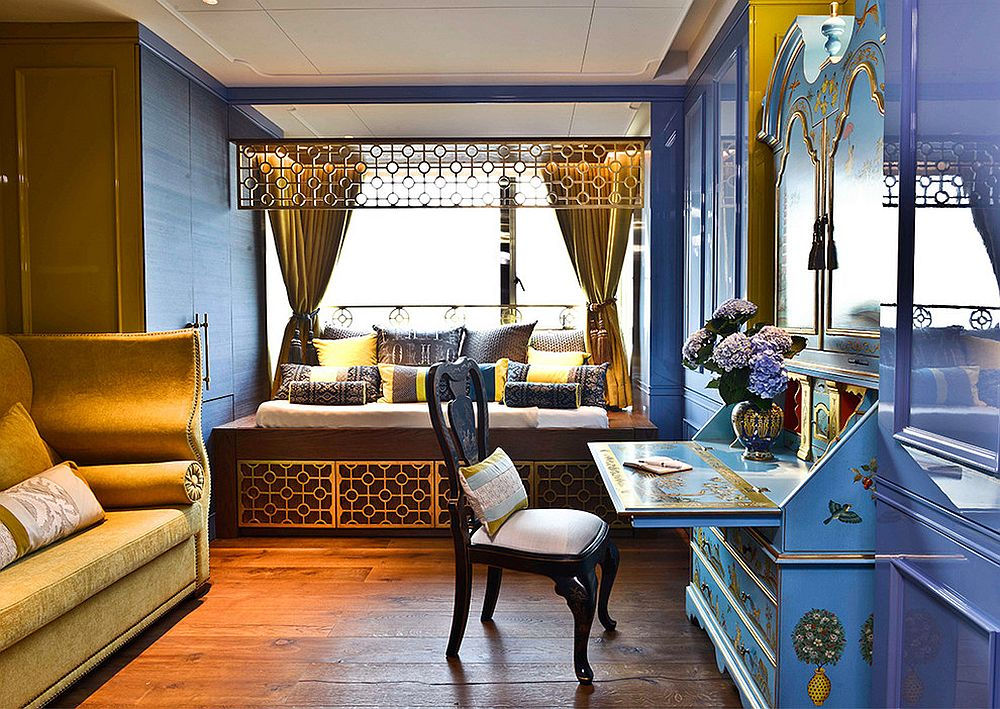 Luxurious home office with Asian style in blue and gold