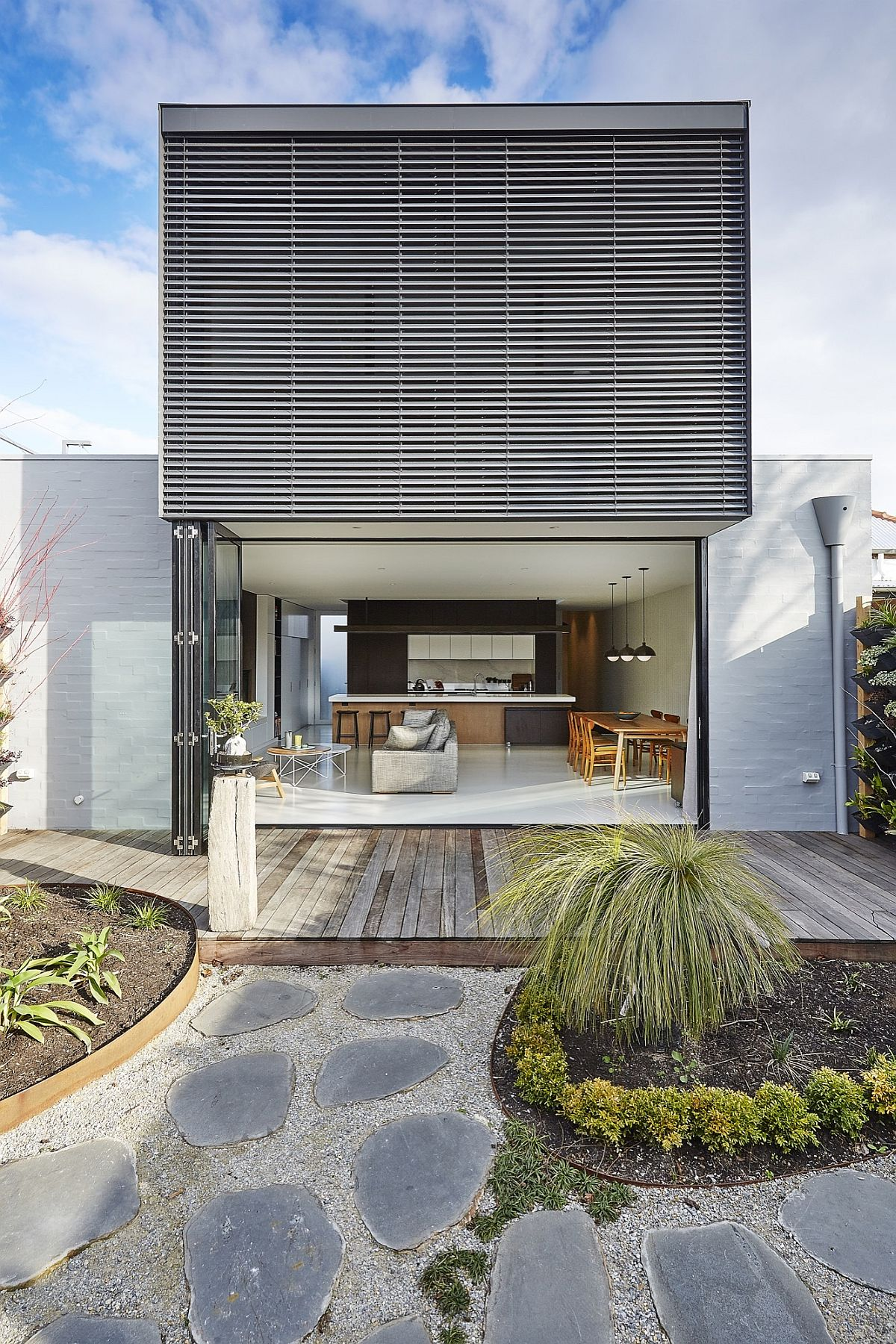 Modern-budget-St-Kilda-East-House-in-suburbs-of-Melbourne