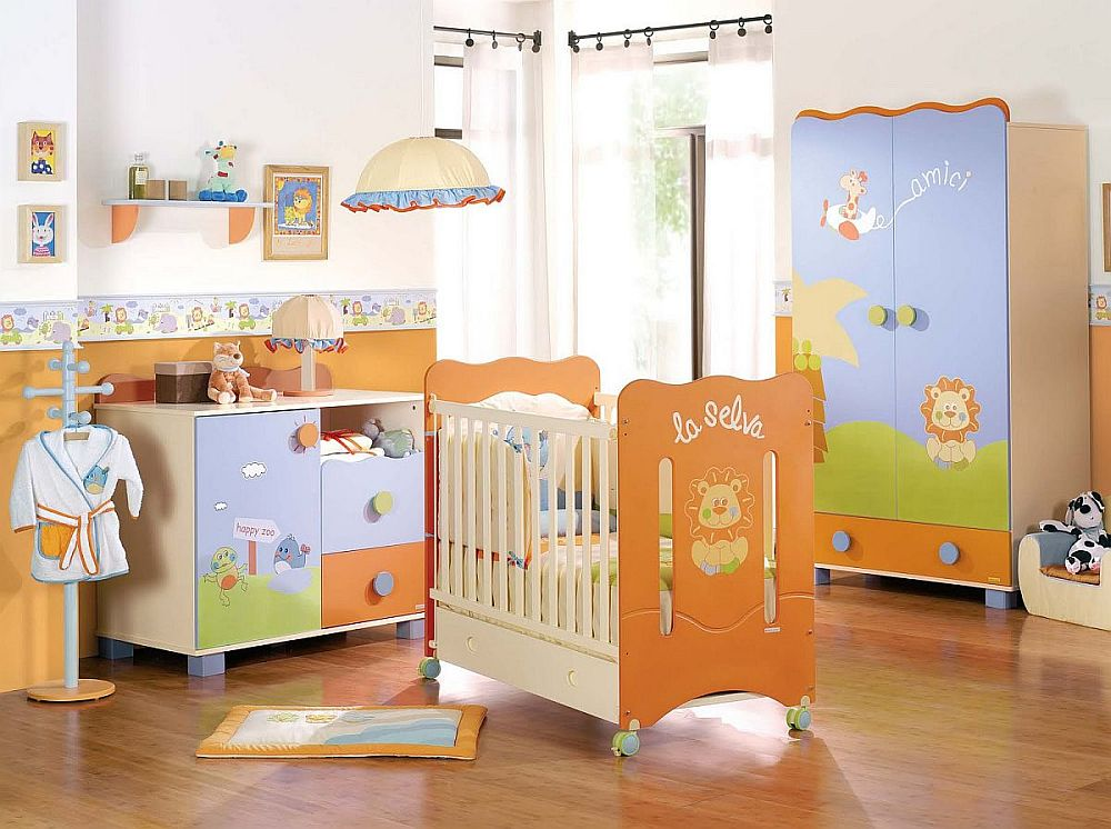 Modern-nursery-in-blue-and-orange