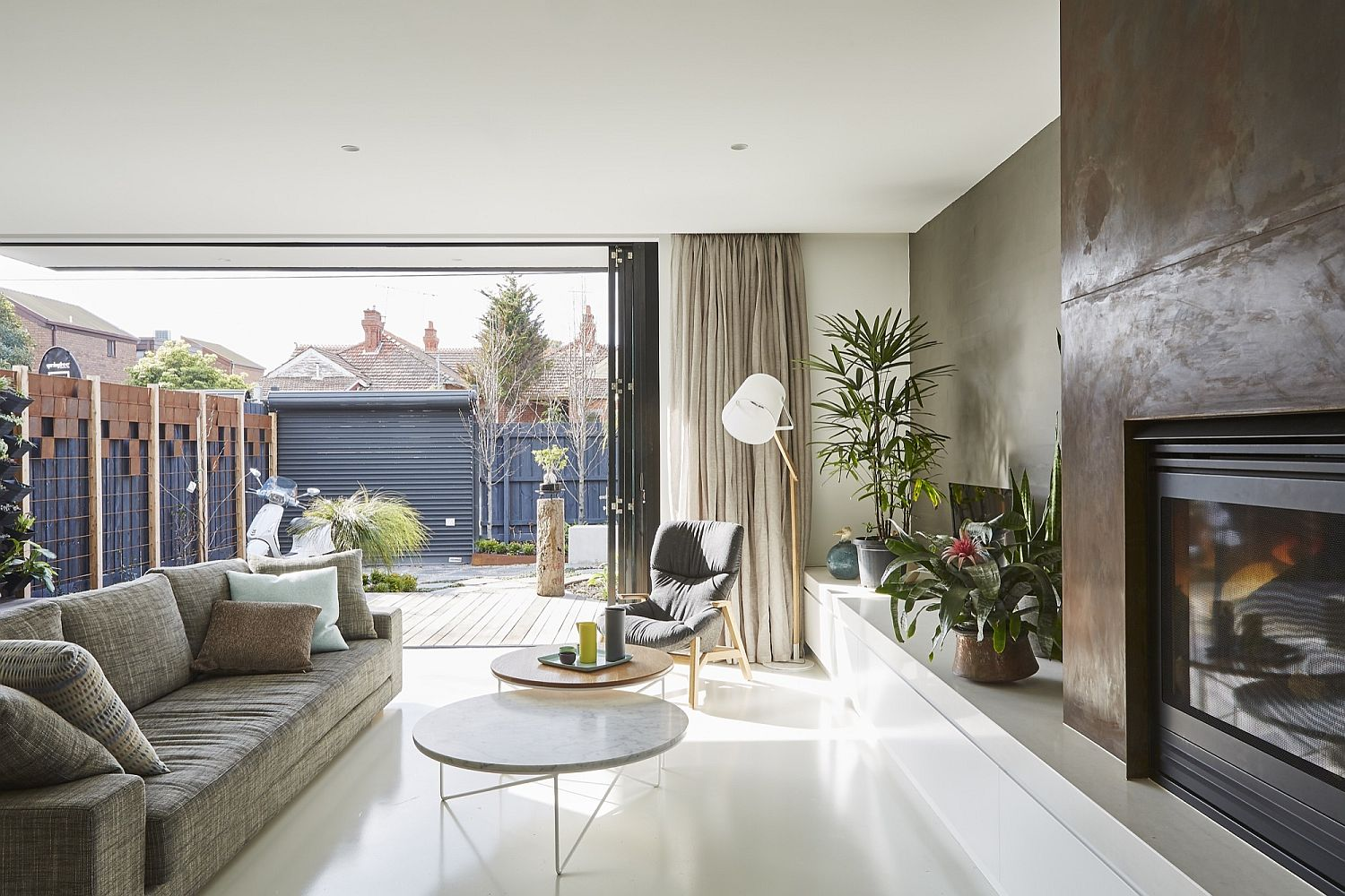 St Kilda East House: Budget Family Home Combines Classic with Contemporary