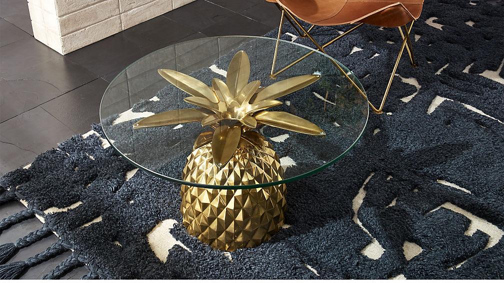 Pineapple-side-table