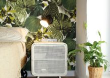 Right-decor-and-wallpaper-for-the-tropical-style-bedroom-217x155